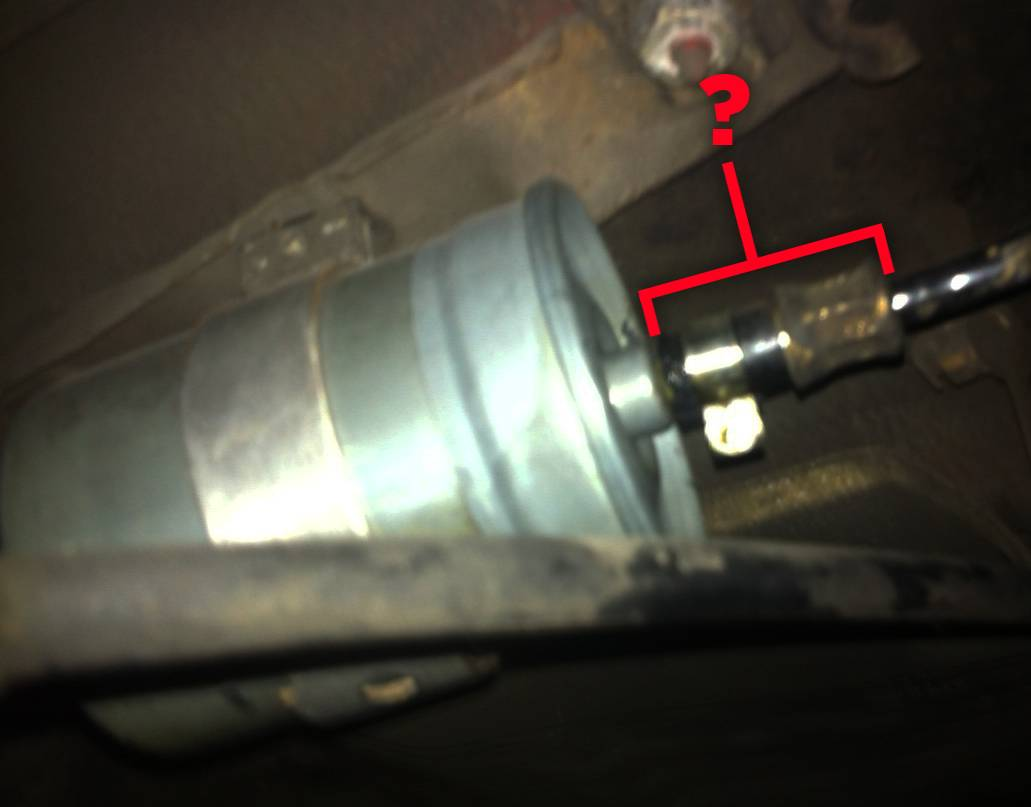 VWVortex.com - Leaky fuel line near filter ... can I replace this little  piece?
